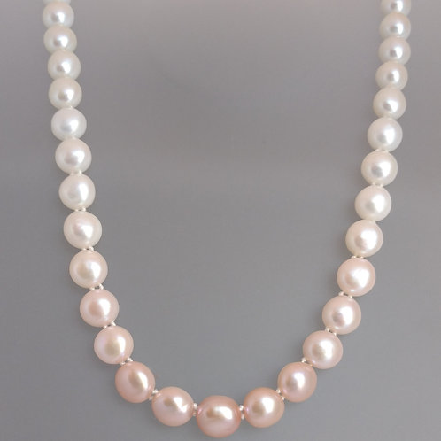 Necklace pearls pink to white