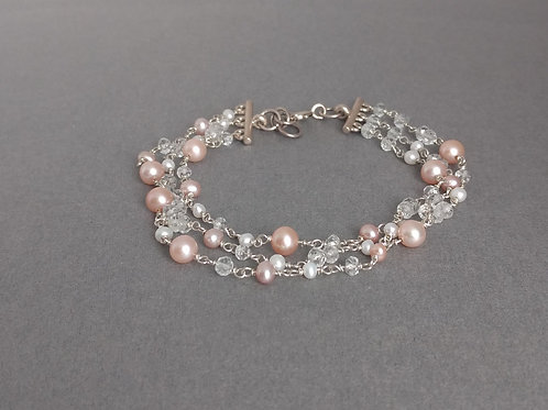 Bracelet pearls and white topaz beads