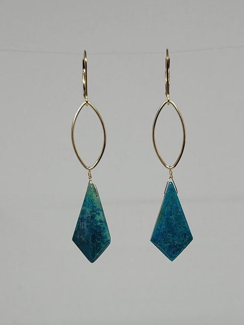 Earrings chrysocolla in yellow gold filled.