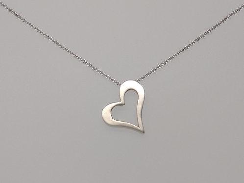 Heart pendant in white gold