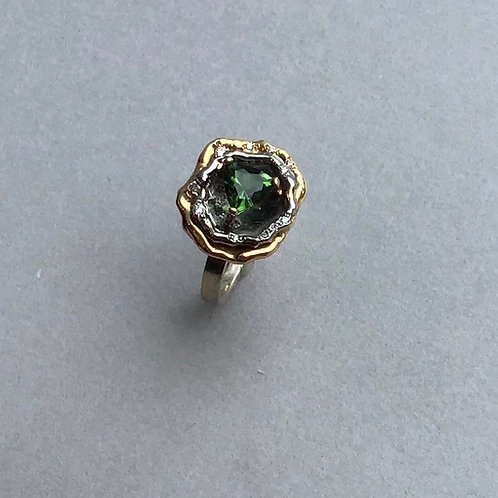 Ring chrome tourmaline in a flower