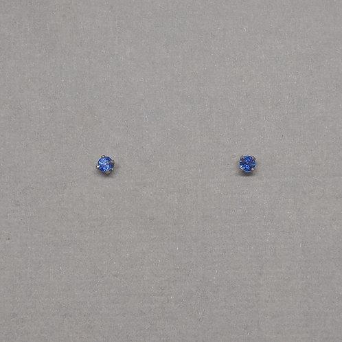 Earring studs blue sapphires