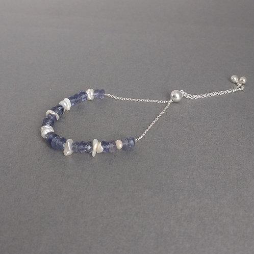 Kianite beads and pearls bracelet