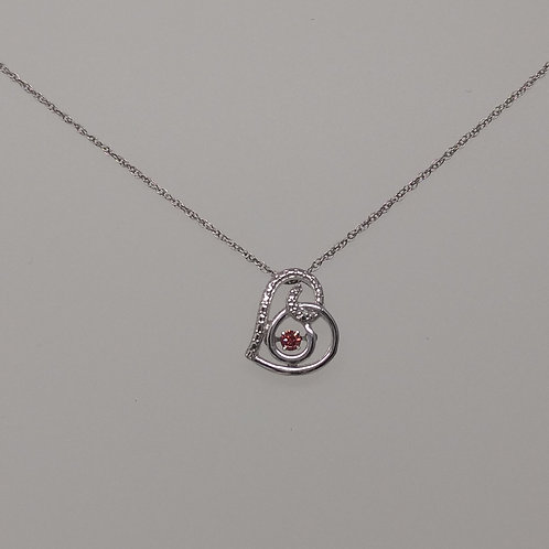 Heart pendant with pink diamond