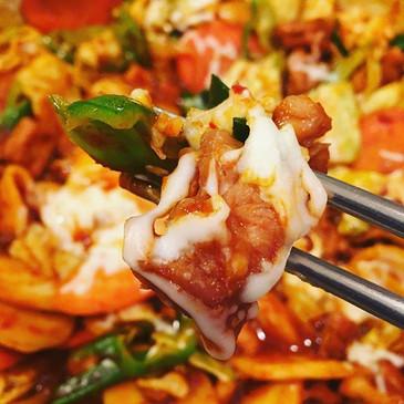 Spicy Stir-Fry Chicken (닭갈비, Dak-Galbi)