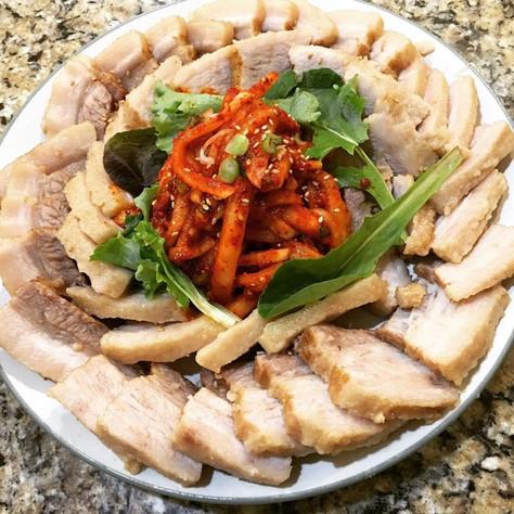 Instant Pot Korean Style Boiled Pork Belly (보쌈, Bossam)