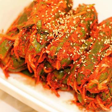 Spicy Pickled Cucumber (오이소박이, Oh-E-Sobak-i)