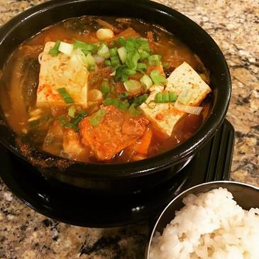 Instant Pot Kimchi Stew (김치찌개, Kimchi Jjigae)