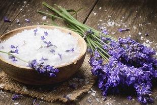 lavender-honey-salt-scrub-from-DIY-organ