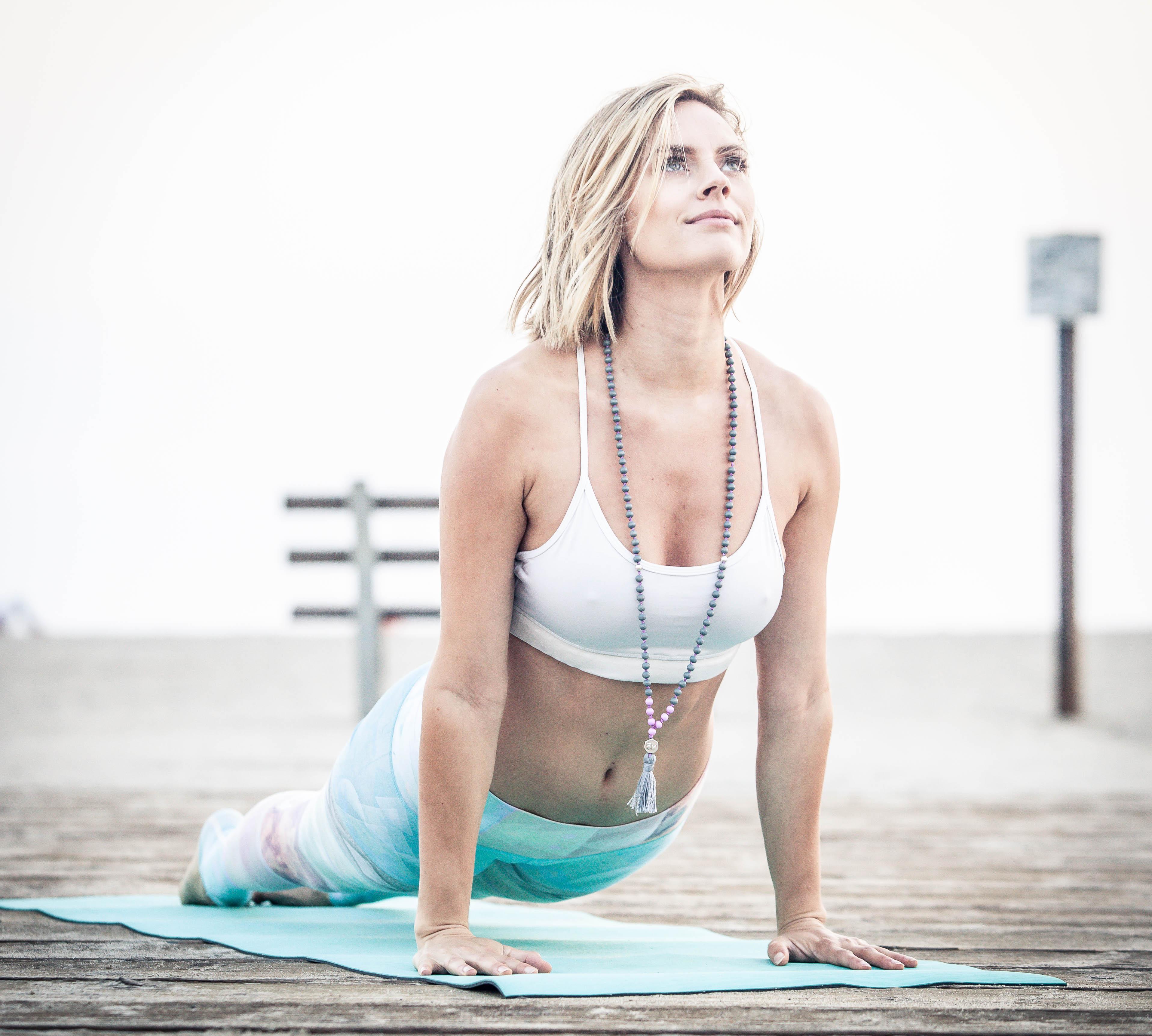 yoga model leah santa cruz