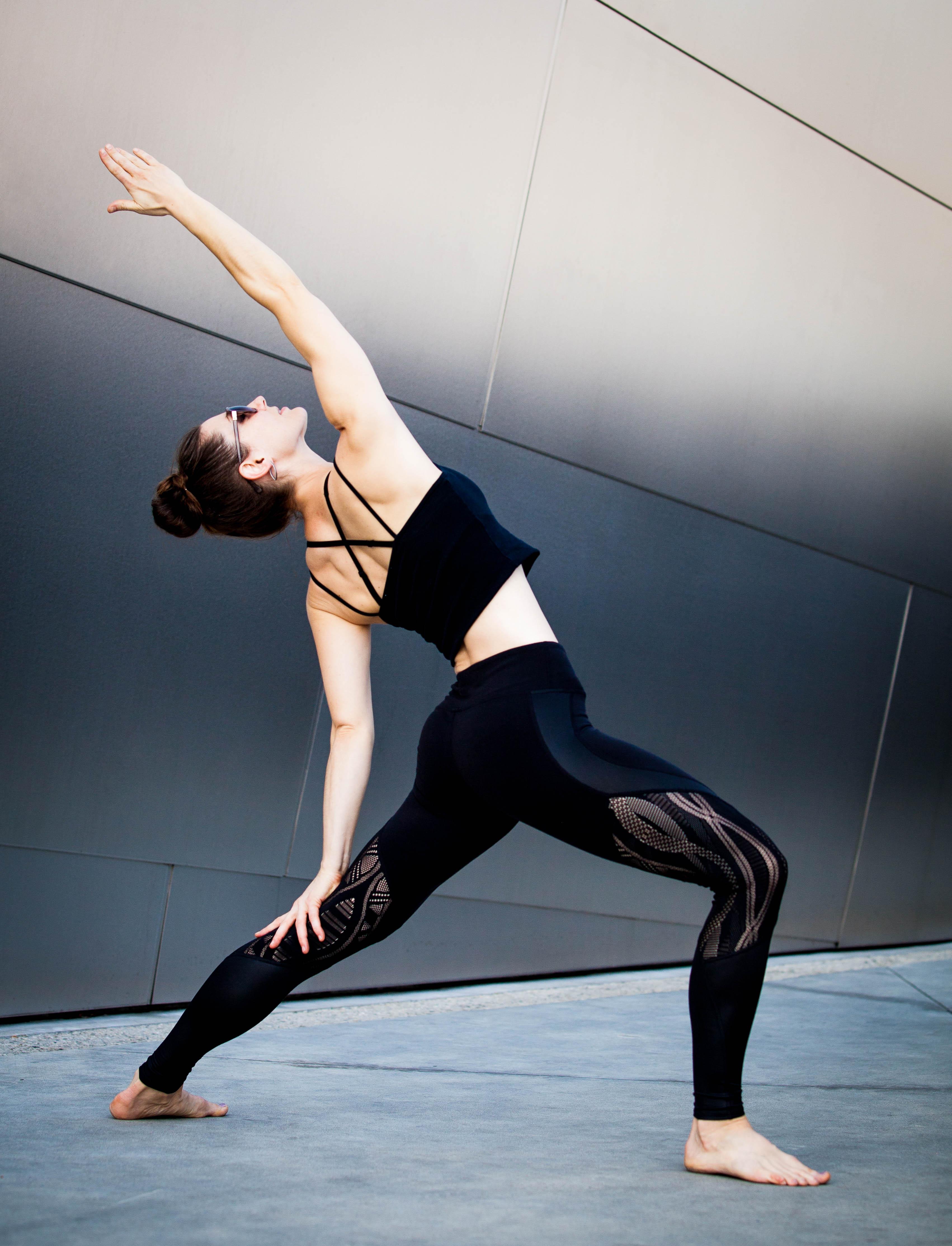 yoga acrobat artist kelsey strauch