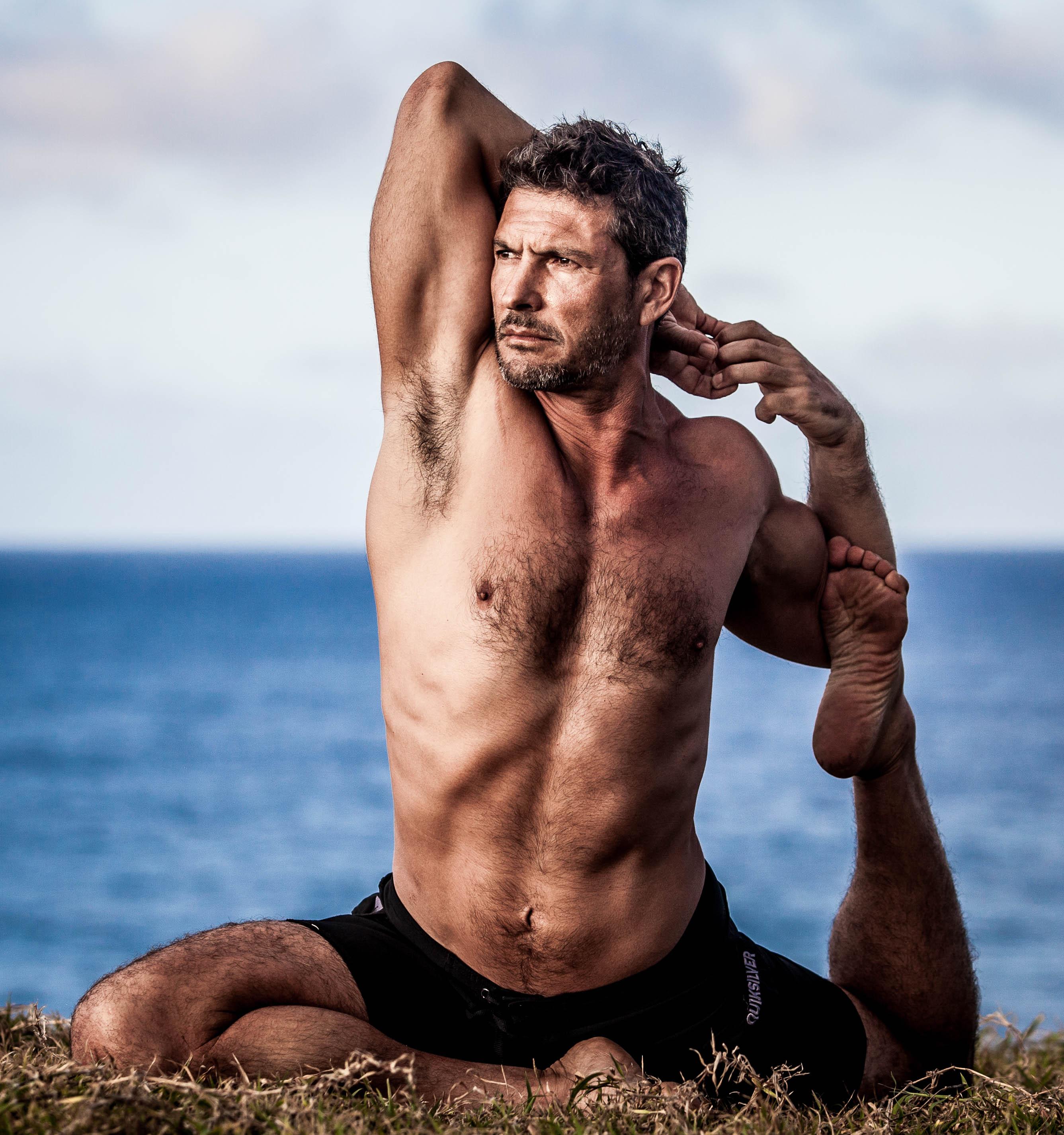 yoga men fitness arik salvador