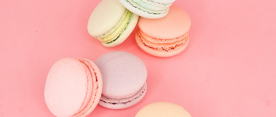 Macaron Gift Box (for collection before Christmas week)
