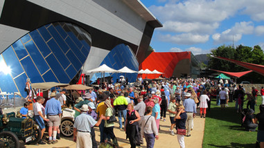 b Canberra 1&2 2013.JPG