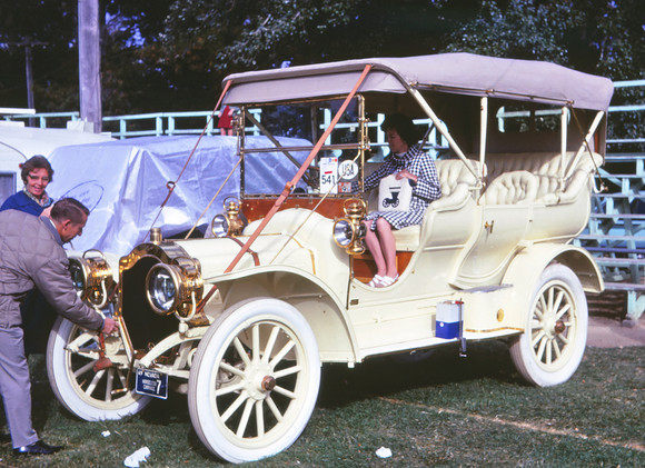 1907 Thomas Flyabout.jpg
