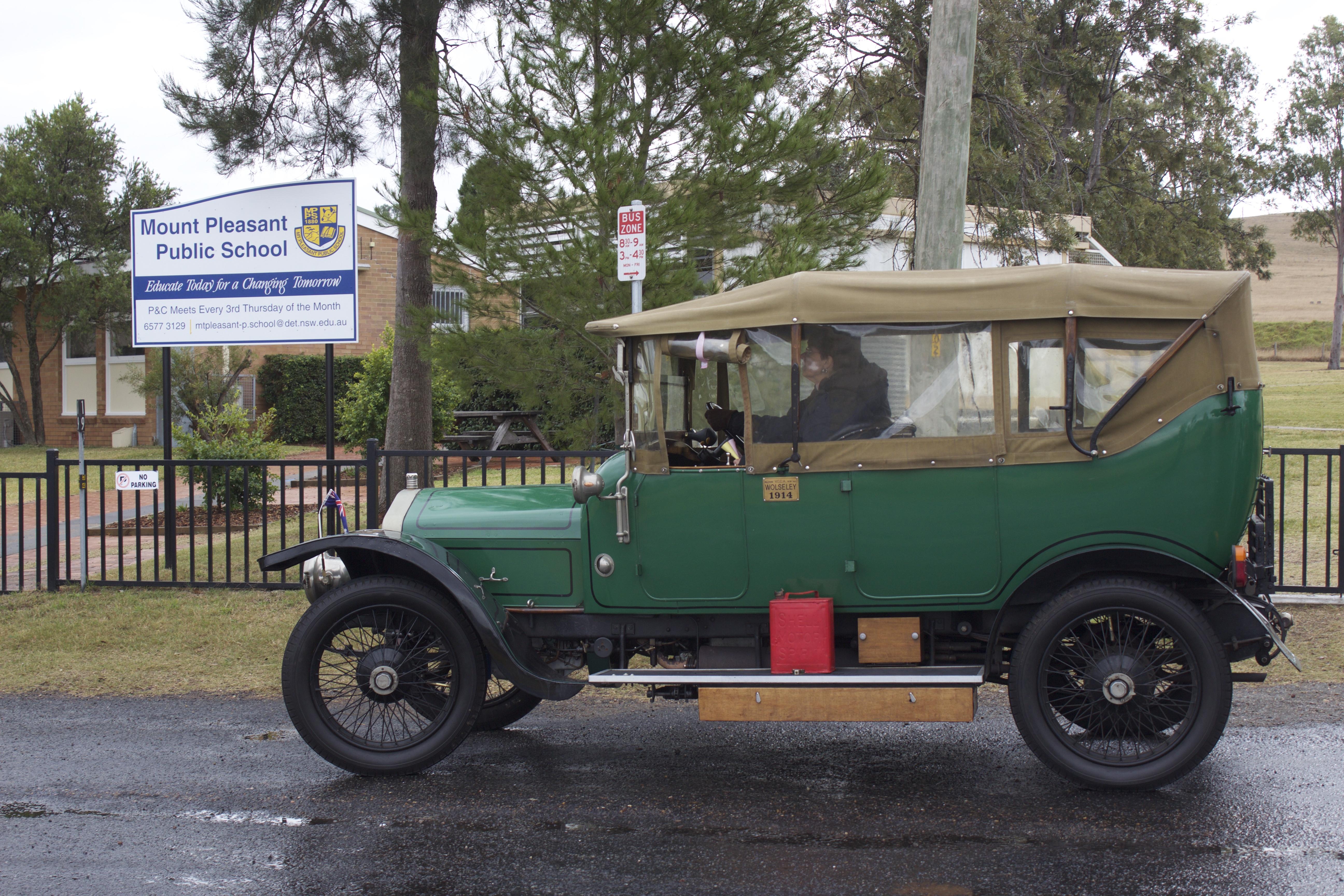 1914 Wolseley