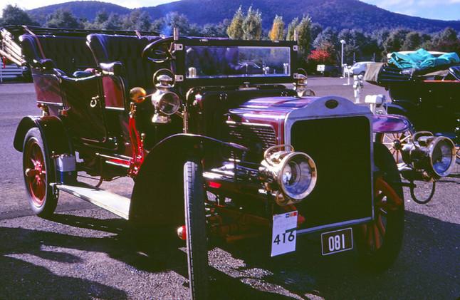 1905:6 White Steamcar.jpg