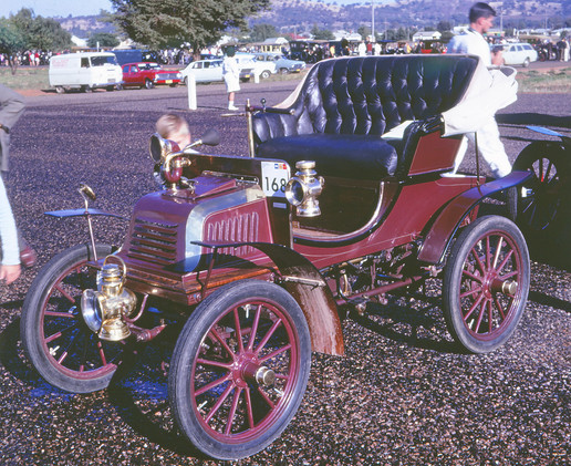 1902 Crestmobile 2.jpg