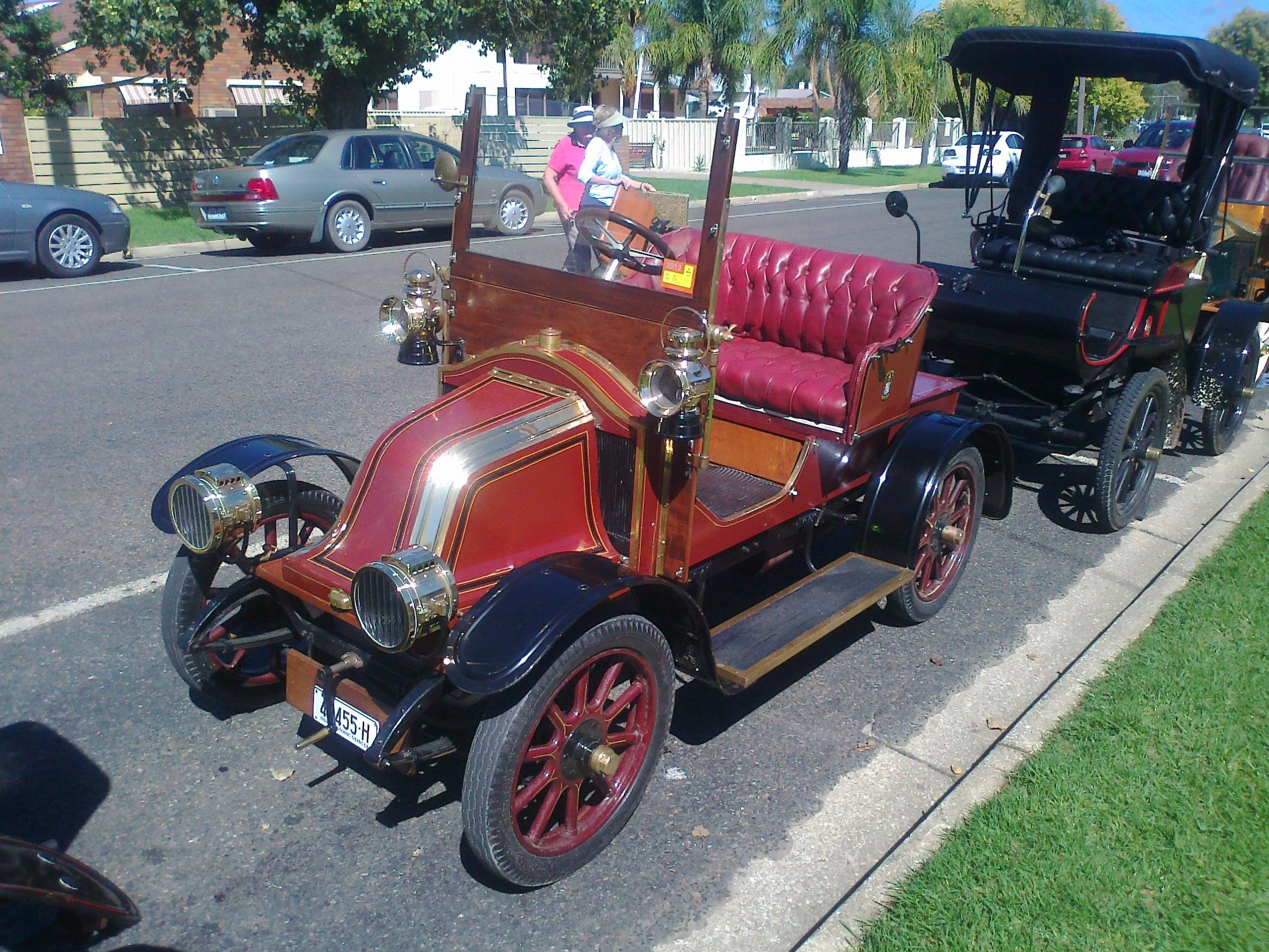 Robert's 1908 Renault