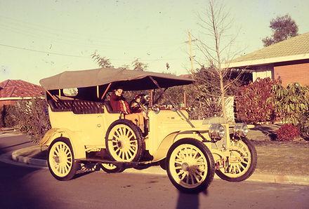 1909 Daimler.jpg