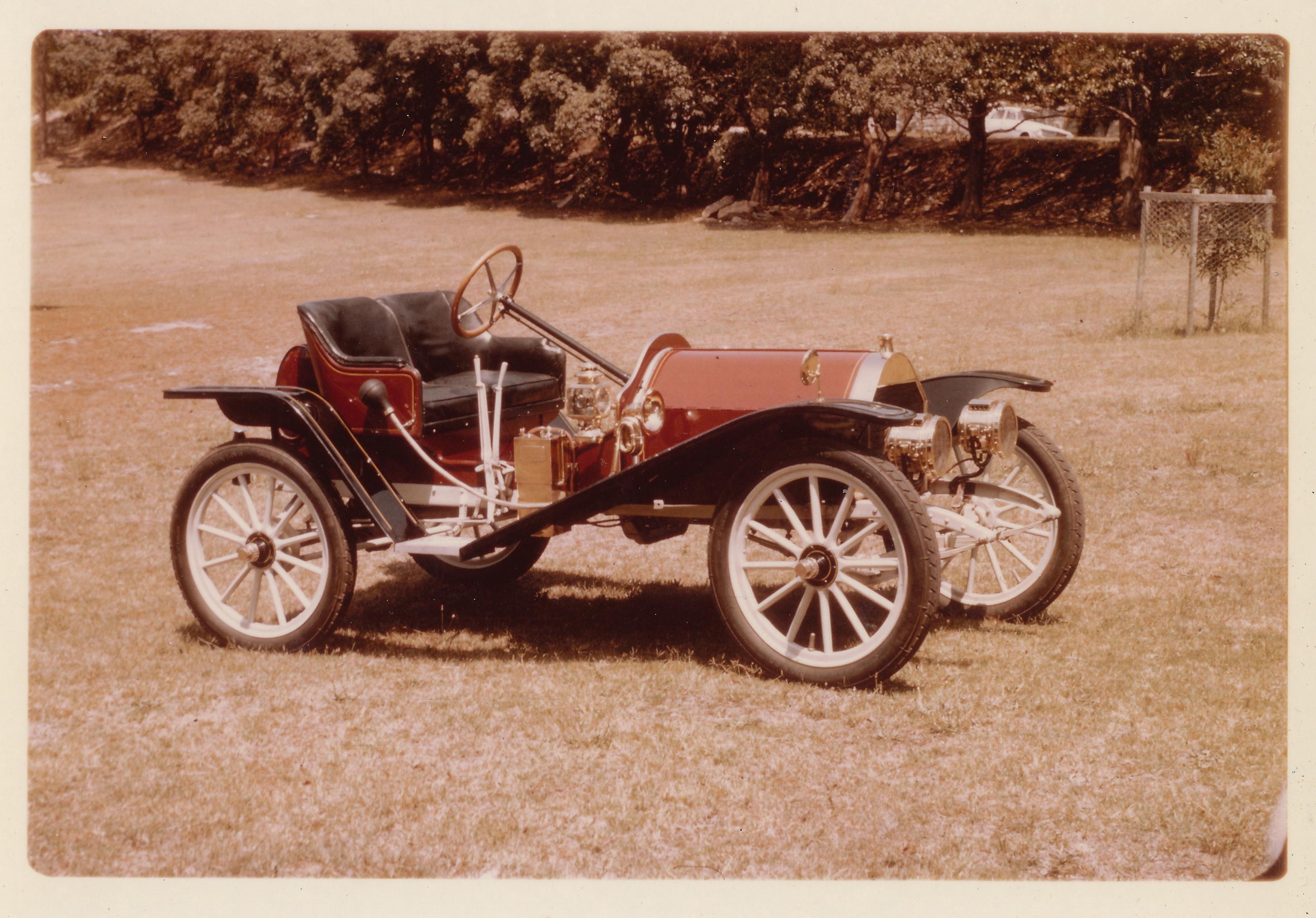 1909 Hupmobile