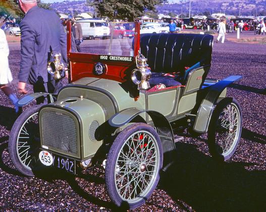 1902 Crestmobile.jpg