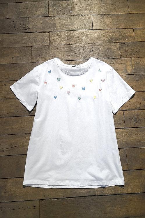 Tee-shirt coeurs brodés