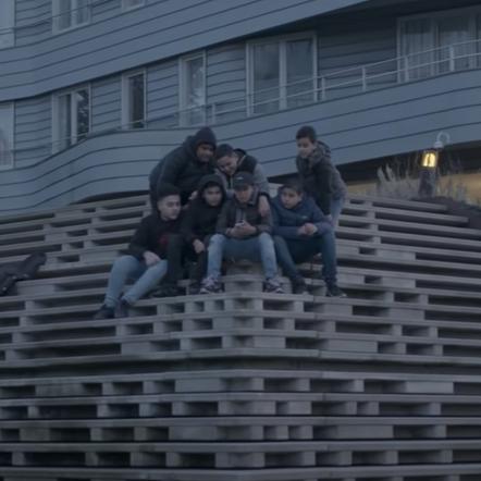 3robi - Dinero ft. Ashafar (Official Video)