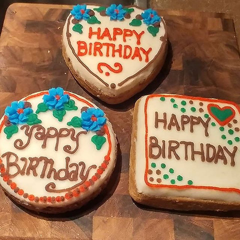 Enjoyable Birthday Cake Beef Sweet Potato Barnyard Biscuits Personalised Birthday Cards Veneteletsinfo
