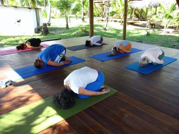 SELF PARAISO yogaclass.jpg