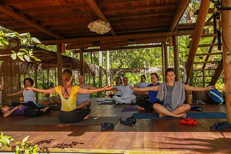 Yoga no Retiro SELF Estrela Azul