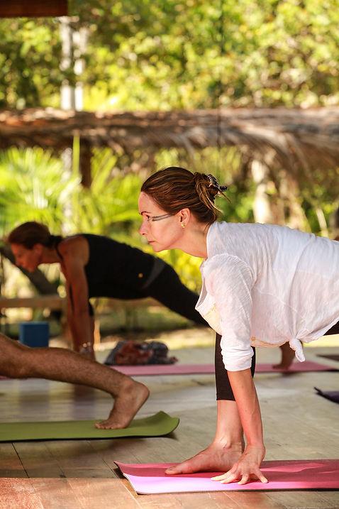 Yoga no Retiro SELF Estrela Azul com Lilly