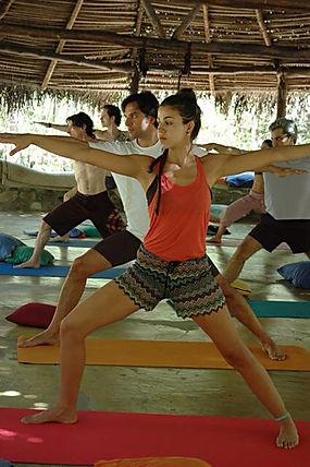 Lilly Hastings Yoga Retiro SELF Intensivo
