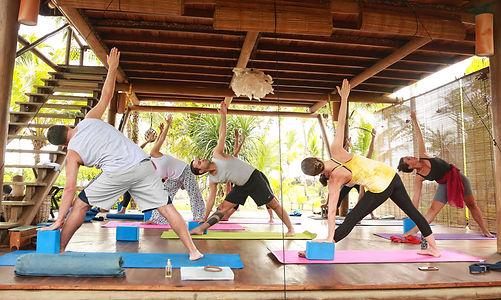 Yoga no Retiro SELF