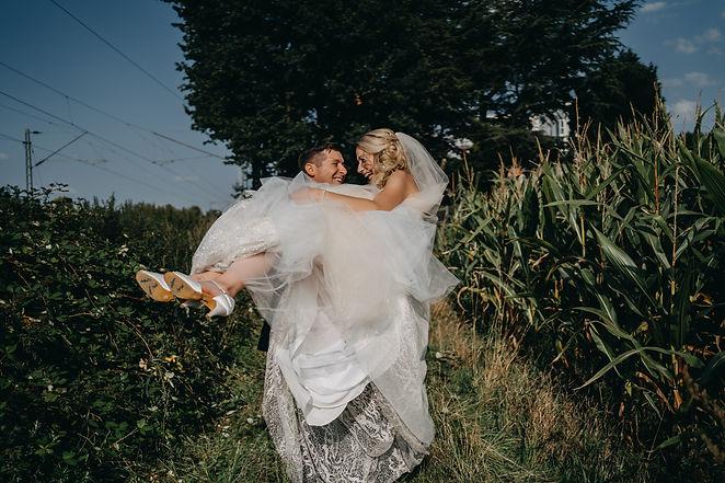 Chantal & Alex Kirche -511.jpg