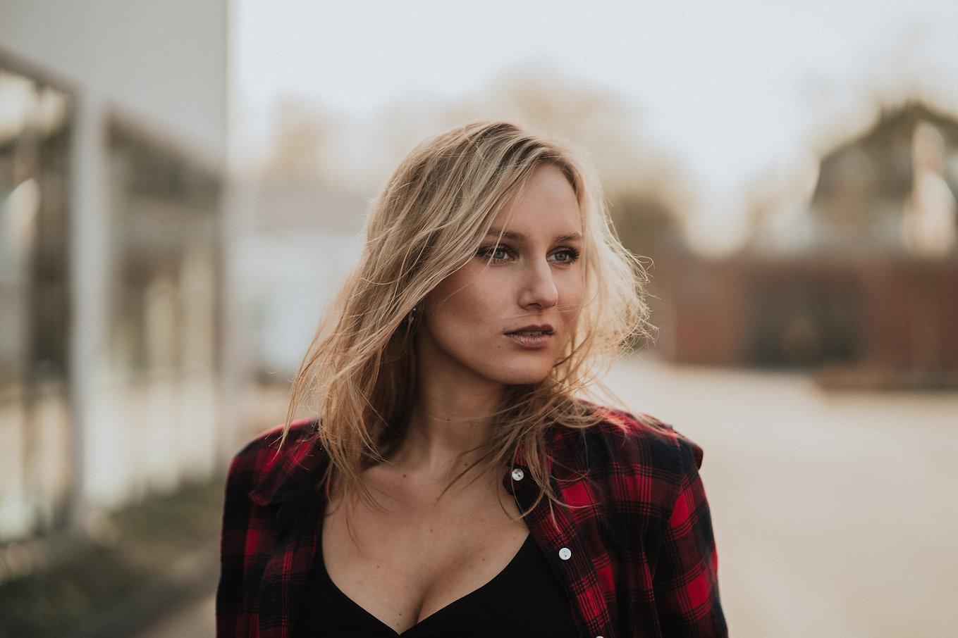 Greta Portrait-3.jpg