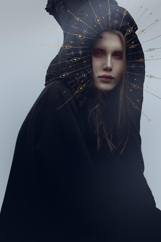 femme auréolée icône orthodoxe