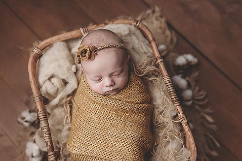 Newbornfotograaf, Newbornshoot, Newborn fotoshoot, Newbornfotografie, Babyfotograaf, MOOI! Fotografie, Rijen, Terheijden, Made, Drimmelen, Breda, Tilburg, Dongen, Oosterhout, Eindhoven, Den Bosch, Etten-Leur, Raamsdonksveer, Alphen, HIlvarenbeek, Goirle