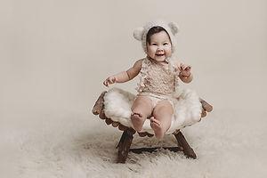 Babyfotograaf, Sittersessie, Babyfoto, Baby fotoshoot, Rijen, Eindhoven, Dongen, Oosterhout, Terheijden, Made, Drimmelen