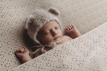 Babyfotograaf Waalwijk, Kaatsheuvel, Dongen, Oosterhout, Raamsdonksveer, Waspik, Newbornshoot, Newbornfotograaf