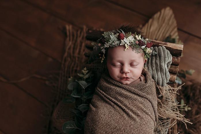 Chloe - Newborn - 37 copy.jpg