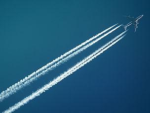 white-airplane-728824 (1).jpg