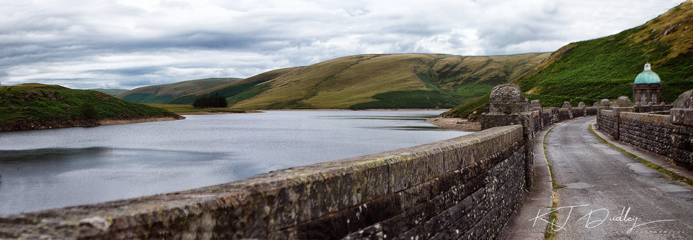 Craig goch dam 2 -Elan valley.jpg
