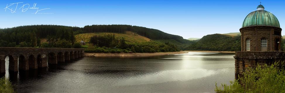 Garreg-ddu dam - Elan valley.jpg