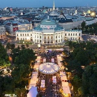 E-Carriage Burgtheater vienna