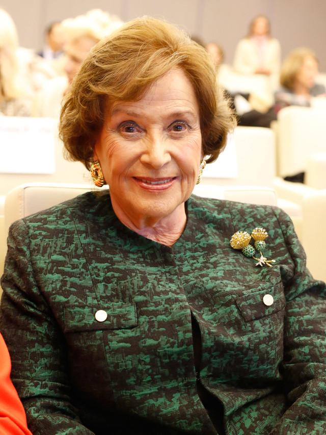 Duchesse de Franco, grand-mère maternelle de Louis de Bourbon, Duc d'Anjou