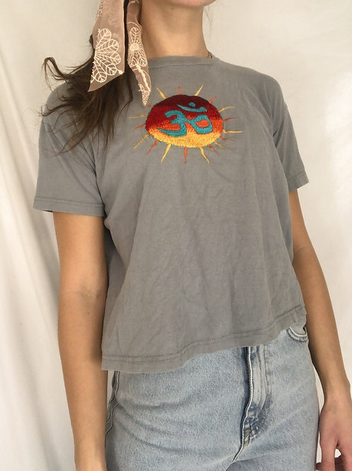Embroidered sun tee-small
