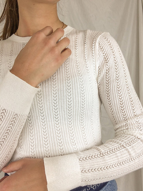 Eyelet long sleeve-small