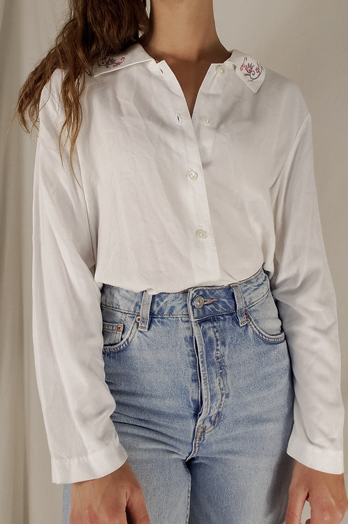 Embroidered Collar Button up-Large