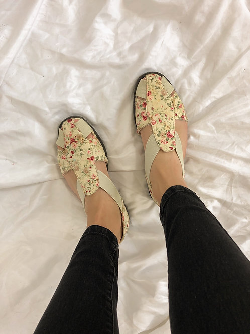 Floral sandals-womens 9